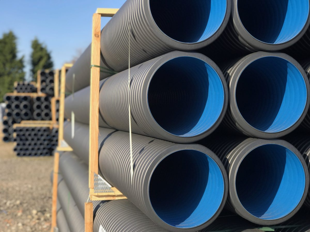 We install Steel Casings under roads for water and sewer